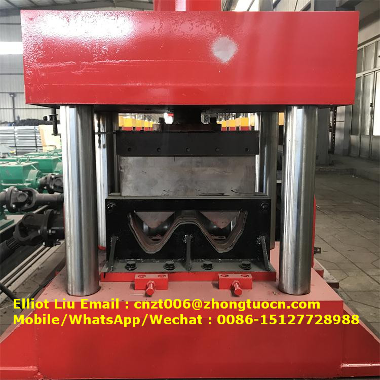 expressway crash barrier roll forming machine (1)